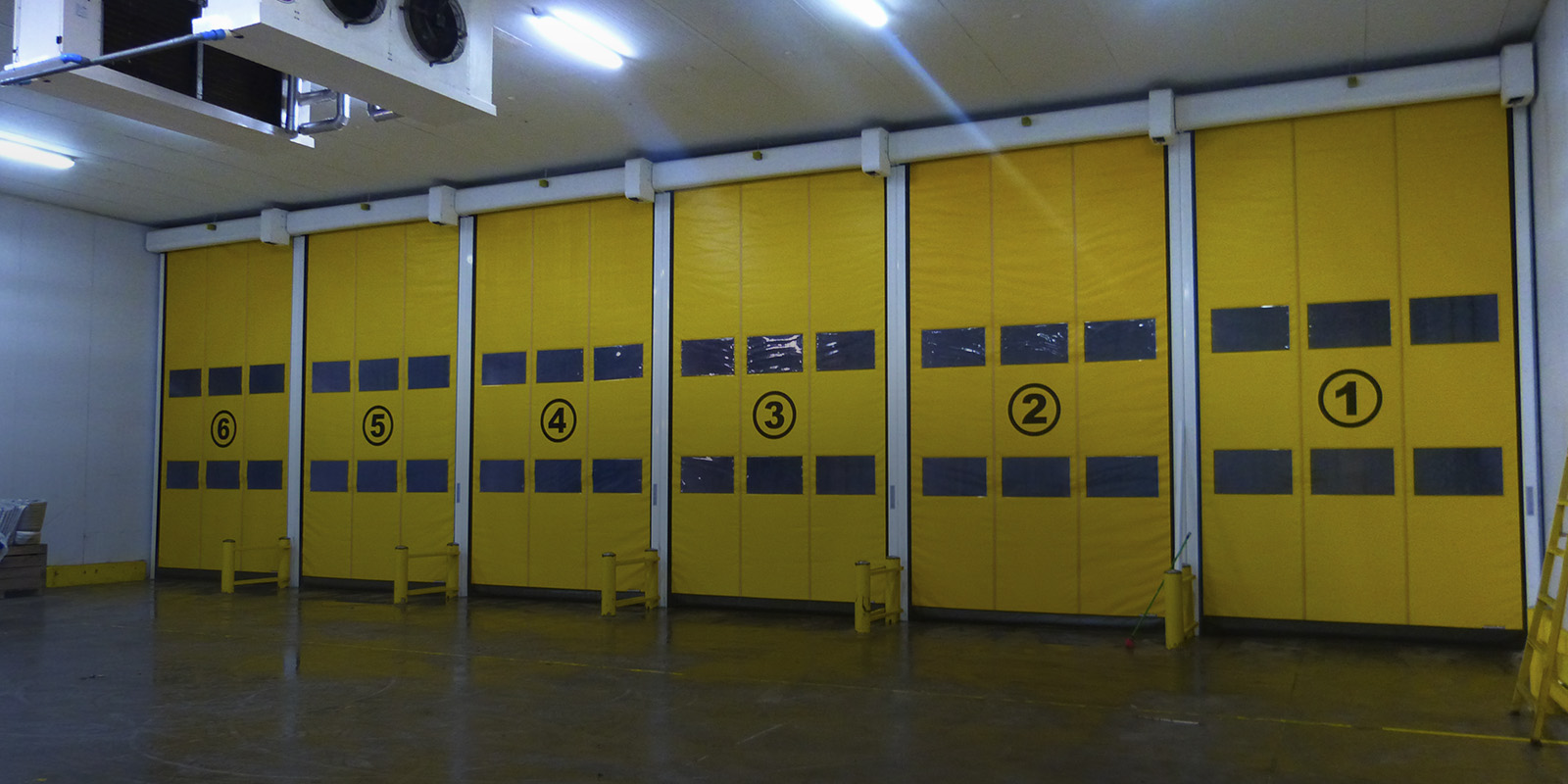 Superfrigo soluciones en refrigeraci n for Puertas industriales